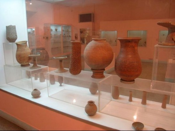Delhi photos, National Museum - Earthenware