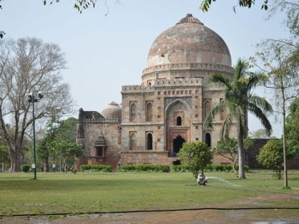 Delhi photos, Lodhi Garden - Tomb of Sikander Lodi