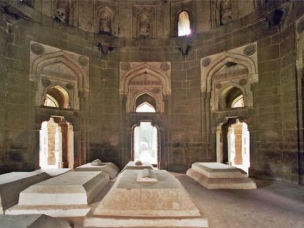 Delhi photos, Lodhi Garden - Mohammed Shah's Tomb's Interiors