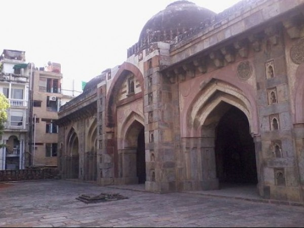 Delhi photos, Moth Ki Masjid - A Side View