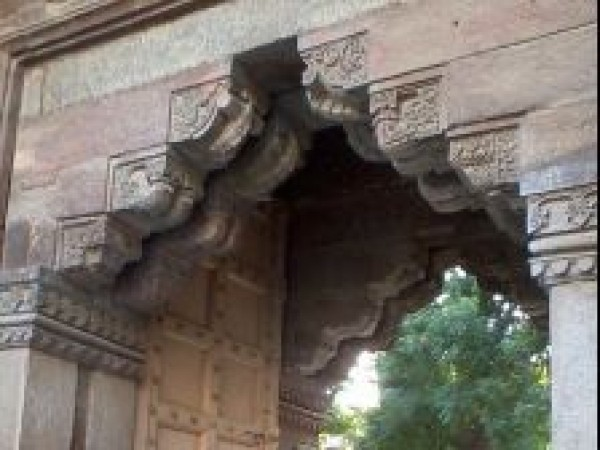 Delhi photos, Moth Ki Masjid - Entrance Way