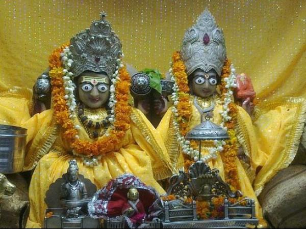 Delhi photos, Gauri Shankar Temple - Idols