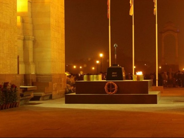 Delhi photos, India Gate - Amar Jawan Jyoti