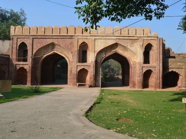 Delhi photos, Kashmiri Gate - Front View