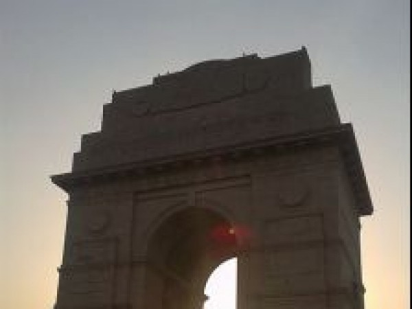 Delhi photos, India Gate  - Low Angle View
