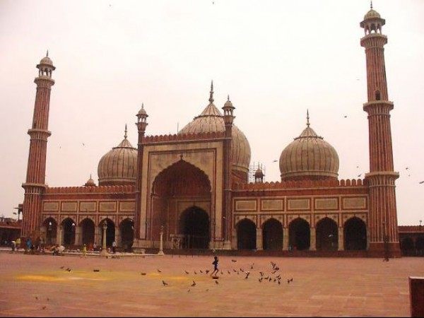 Delhi photos, Jama Masjid - Photo taken prior to Friday prayers