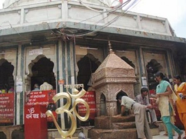 Delhi photos, Kalkaji Temple -  The Hundi