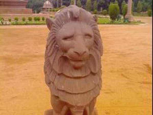 Delhi photos, Rashtrapati Bhavan - Stone structure of a lion