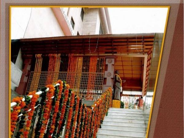 Delhi photos, Uttara Guruvayoorappan Temple - Stairway