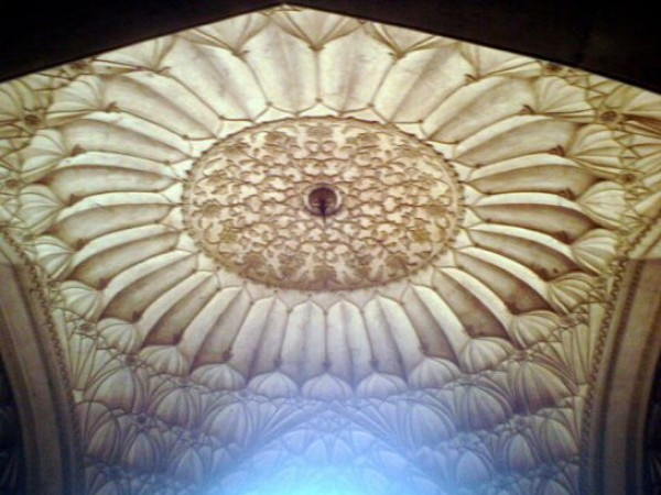 Delhi photos, Safdarjang Tomb - Intricately Done Ceiling
