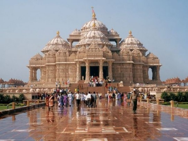 Delhi photos, Swaminarayan Akshardham Temple - On A Rainy Day