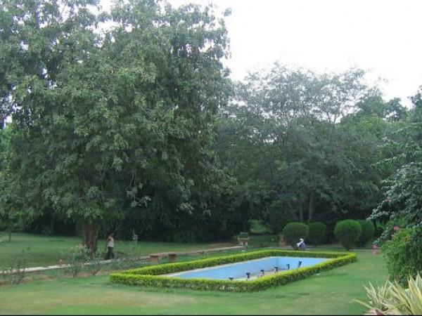 Delhi photos, Teen Murti Bhavan - Gardens