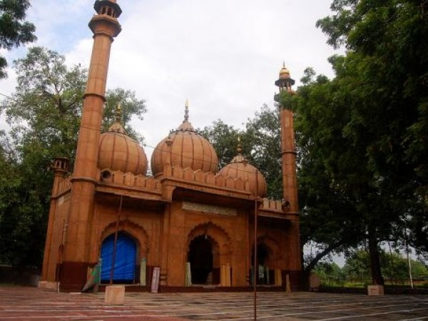 Delhi photos, Sunehri Masjid - Full view of Masjid