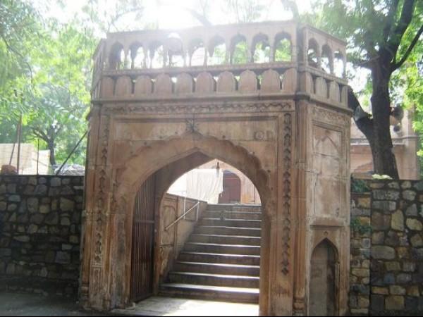 Delhi photos, Sunehri Masjid - Marble Archway