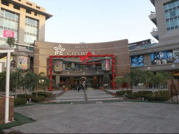 Delhi photos, Shopping in Delhi - City Walk Mall