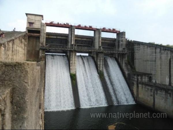 Kalpetta photos, Karapuzha Dam - Dam