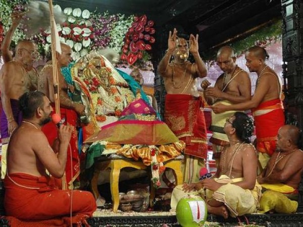Bhadrachalam photos, Bhadrachala Rama Temple - Pooja in the Temple