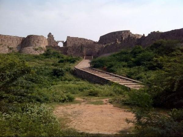 Adilabad photos, Adilabad fort - Stairs lead towards the entrance