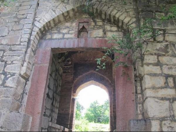 Medak photos, Medak fort - view of the entrance