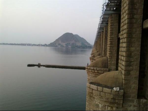 Vijayawada photos, Prakasam Barrage - Pristine Backwaters