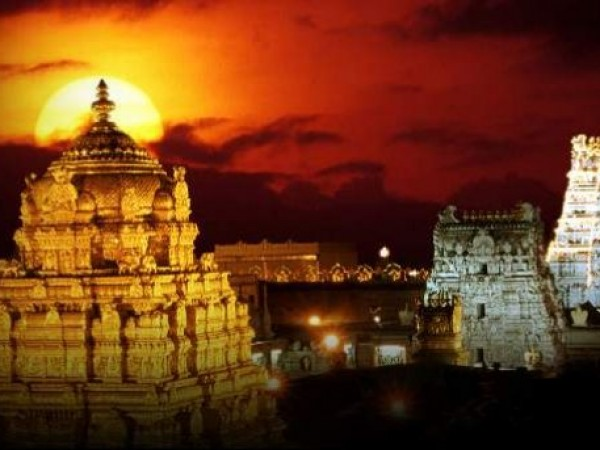 Tirupati photos, Tirumala Venkateswara Temple - Twilight