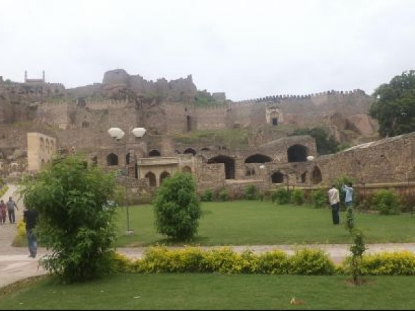 Hyderabad photos, Golconda Fort - The Garden
