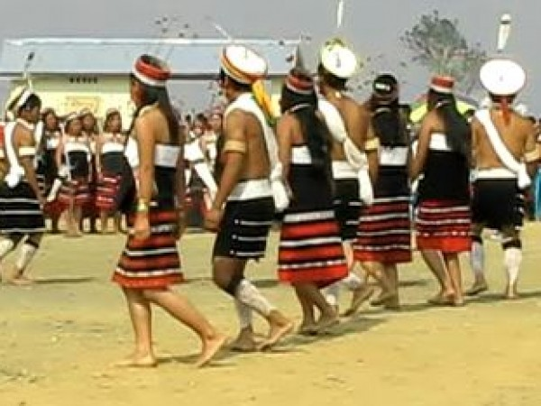 Peren photos, Traditional dance