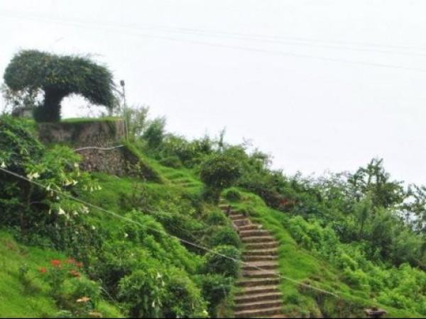 Kodaikanal Photos, Coakers Walk - A Picturesque View