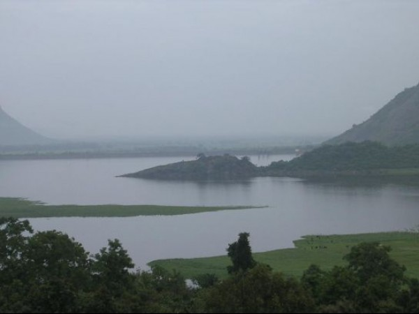 Kodaikanal photos, Berijam Lake - A Picturesque View