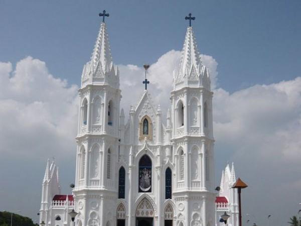 Velankanni photos, Velankanni Church - Velankanni Church