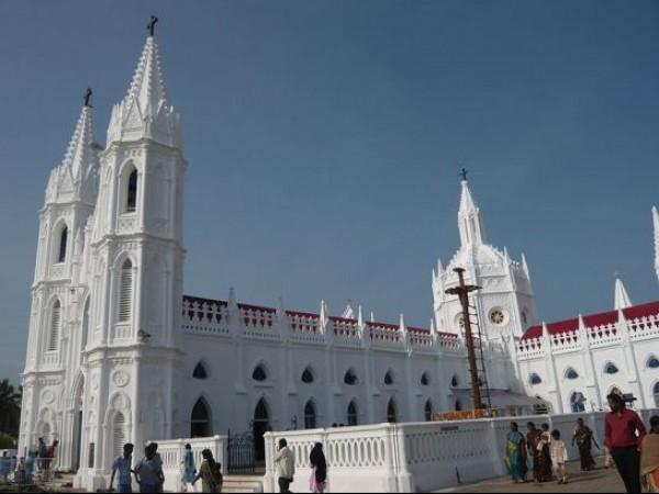 Velankanni photos, Velankanni Church - Church seen from the right side