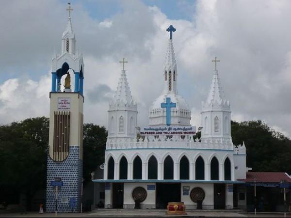 Velankanni photos, Velankanni Church - Pond near the Church