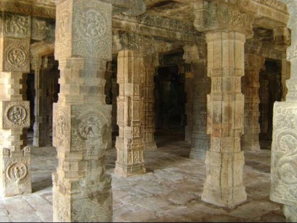 Darasuram photos, Airavatesvara temple - pillars