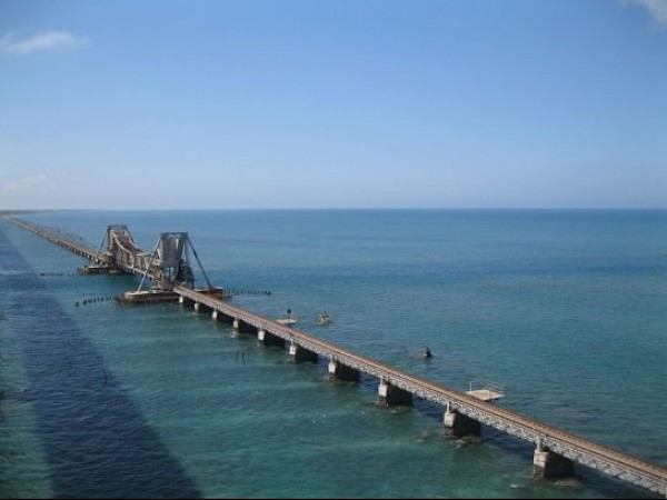 Rameshwaram photos, Pamban Bridge - A Top view of the bridge