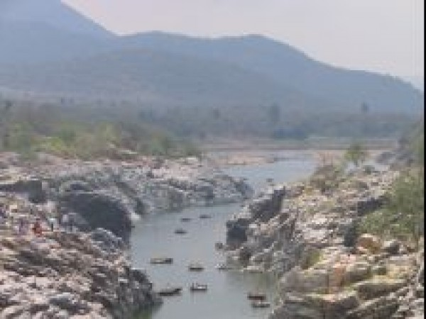 Hogenakkal photos, Hogenakkal Waterfalls - Dry season