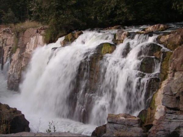 Hogenakkal photos, Hogenakkal Waterfalls - Fierce yet stunning Hogenakkal Falls