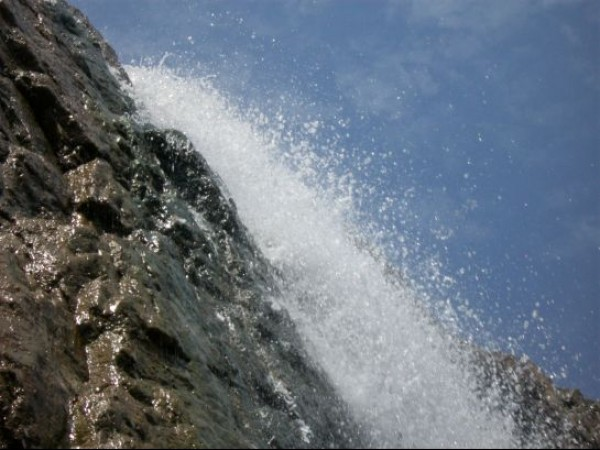 Hogenakkal photos, Hogenakkal Waterfalls - Splash