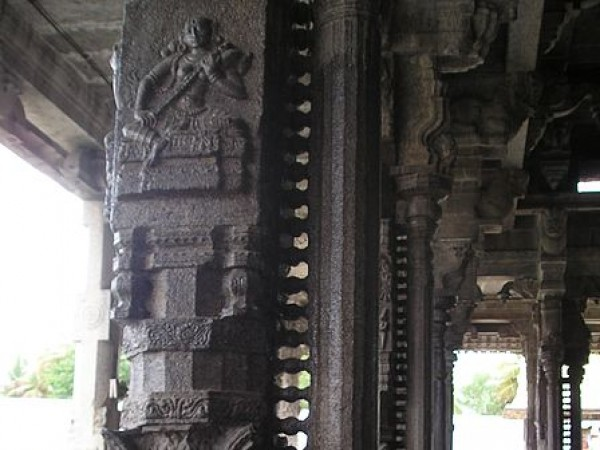 Kanchipuram photos, Ekambareshvara Temple - Stone Pillars