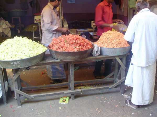 Trichy photos, Vendors selling flowers