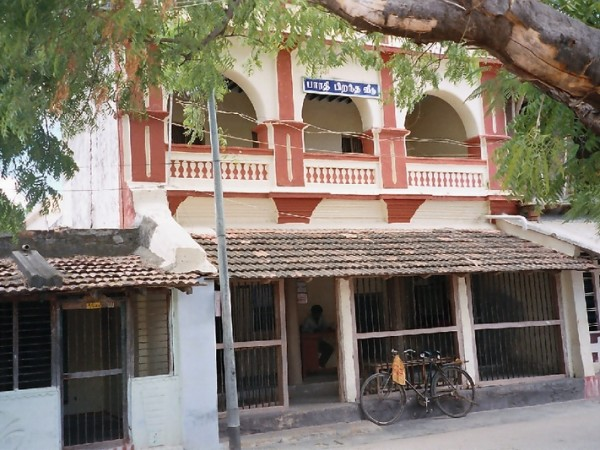 Thoothukudi photos, Ettayapuram (Vetkaliamman statue – Seenthalakarai, Bharathiar manimandapam, Ettayapuram palace)