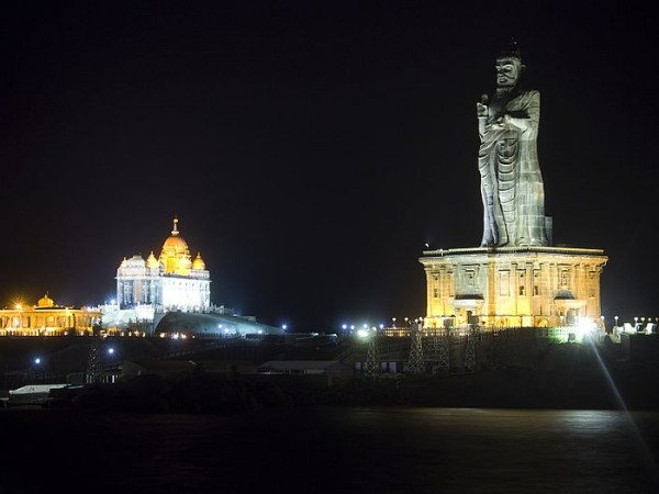 Kanyakumari photos, Thiruvalluvar Statue - Valluvar at Night