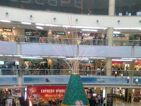 Chennai photos, Chennai Malls - Express Avenue During Diwali