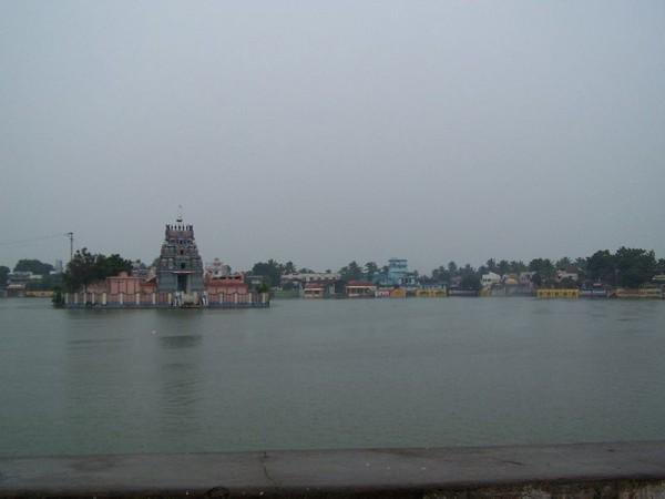 Thiruvarur photos, Thyagaraja Temple - Thiruvarur Tank