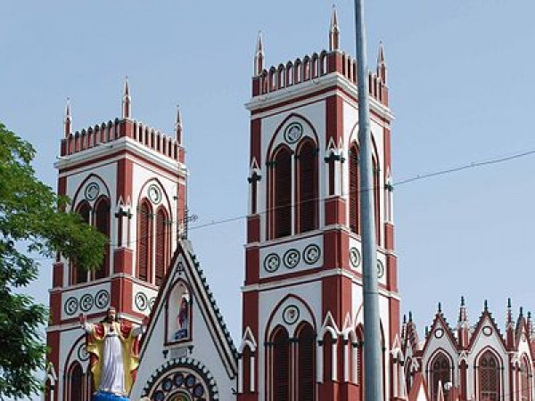 Pondicherry photos, Church of Sacred Heart of Jesus - Tall Structure