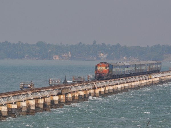 Rameshwaram photos, Pamban Bridge - A Train