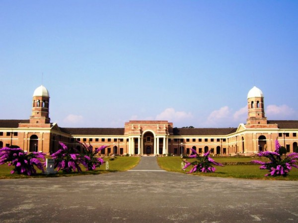 Dehradun photos, Forest Research Institute - A complete view
