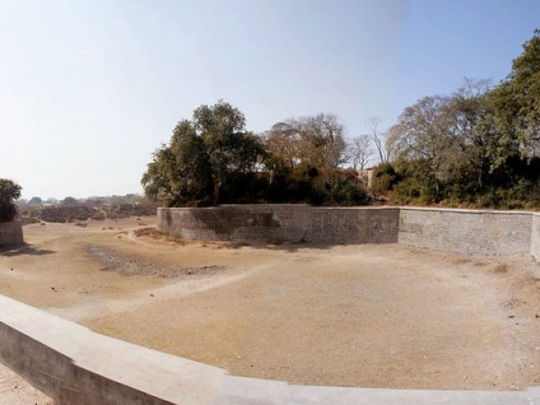 Aligarh photos, Aligarh Fort - A view of the fort