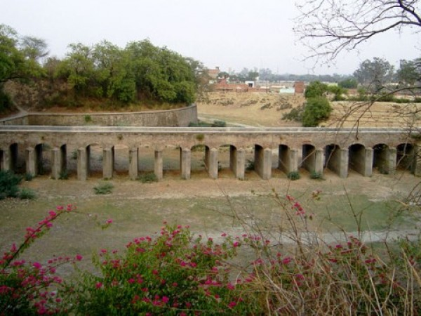 Aligarh photos, Aligarh Fort - Fort's boundary