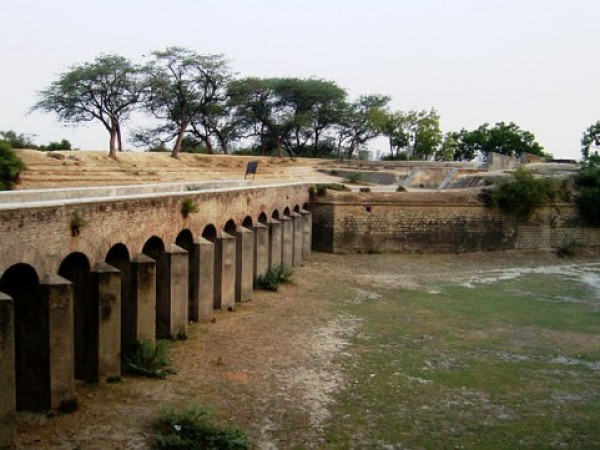 Aligarh photos, Aligarh Fort - Prominent attraction