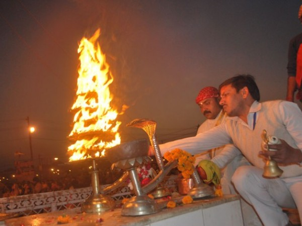 Allahabad photos, Pooja at Kumbh Mela